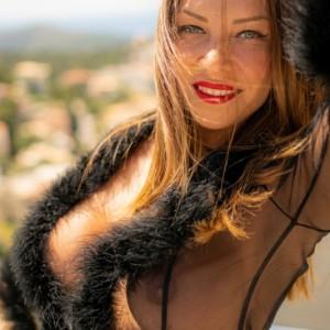 Lola Mila συνοδοός σε Αθήνα