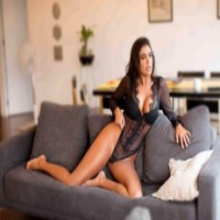 DreamGirls - Γραφεία συνοδών πολυτελείας σε Ιωάννινα - Laura Mercedes