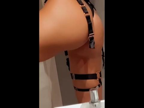 Victoria Hot